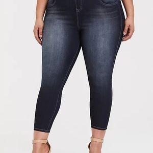 Torrid Skinny Cropped Lean Jeans Size 2 EUC